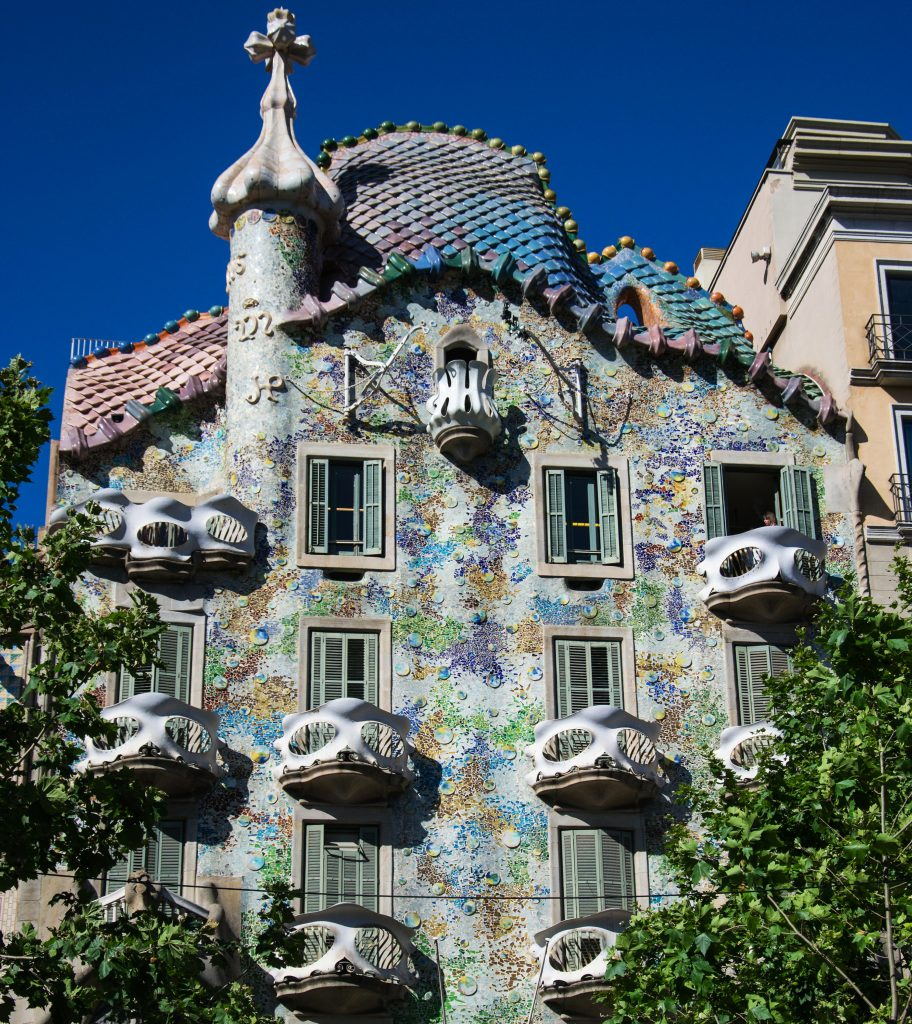Дом Костей Каса-Батльо в Барселоне