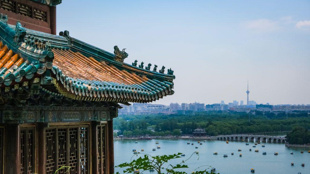 Фото храма и озера в Пекине