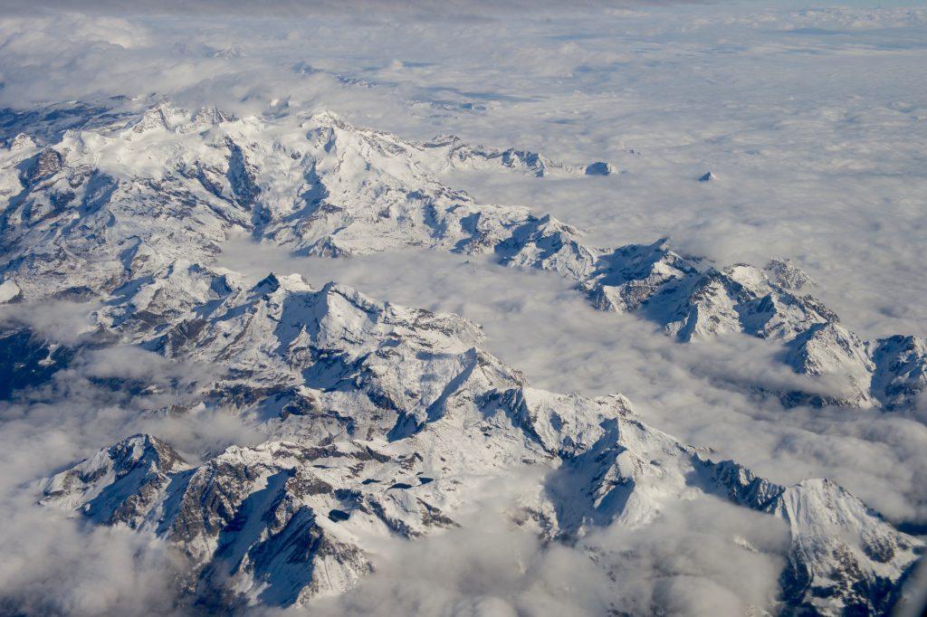 Доломитовые Альпы - фото с самолета