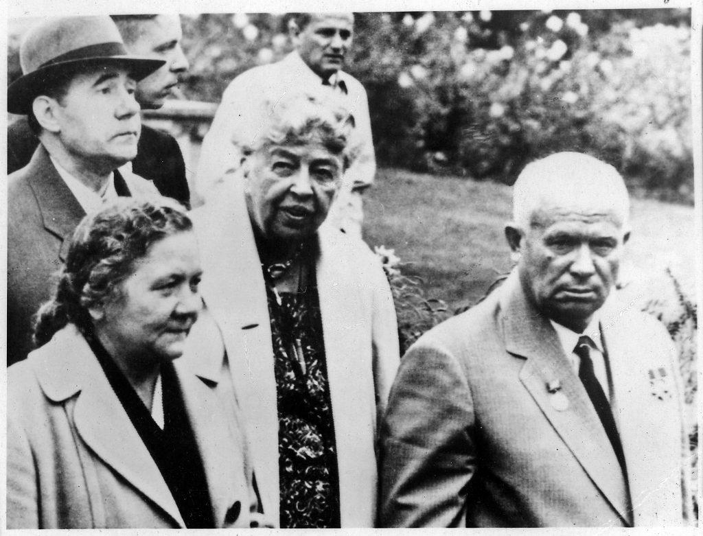 Никита Хрущев с женой