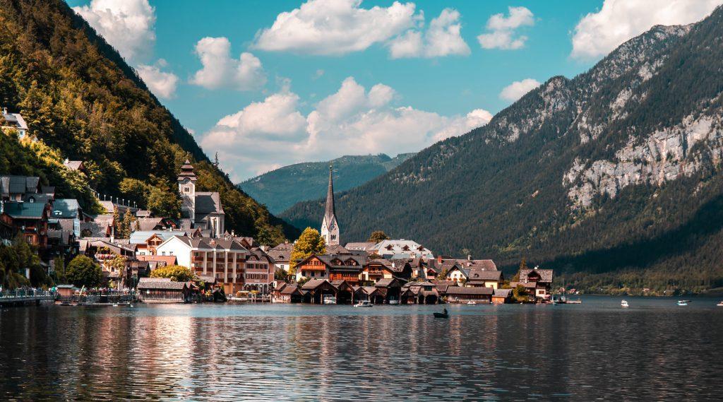 Деревня Гальштат в Австрии фото