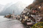 Фото деревни Халльштатт в Альпах зимой