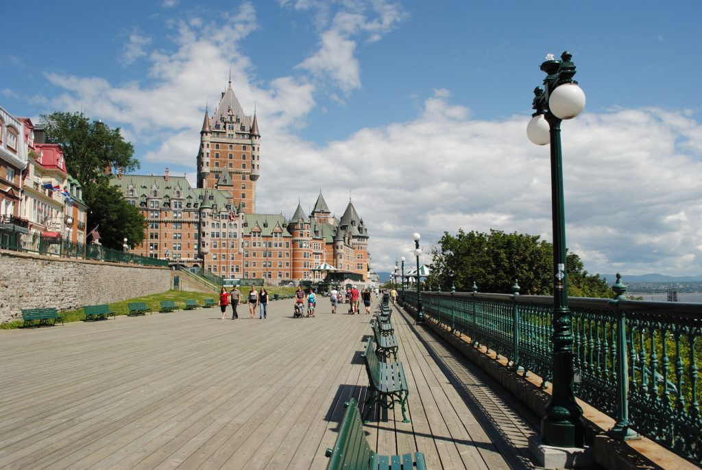 Замок Шато-Фронтенак в Квебеке, Канада