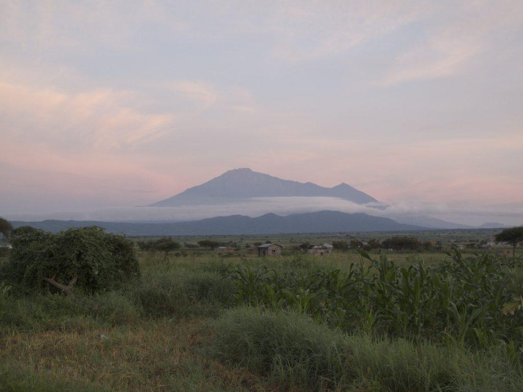 Горы в Танзании фото