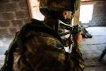 Украинские морские пехотинцы во время атаки