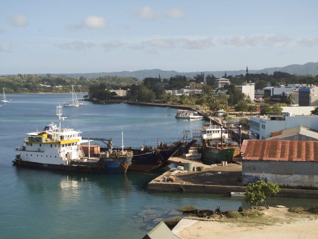 Порт на островах Вануату фото