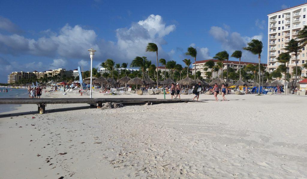 Пляж и море, карибский остров Аруба