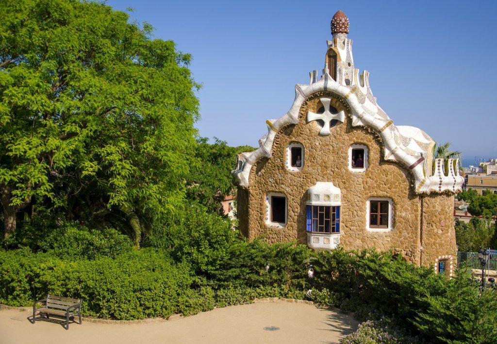 Пряничный дом, парк Гуэля в Барселоне, архитектор Гауди