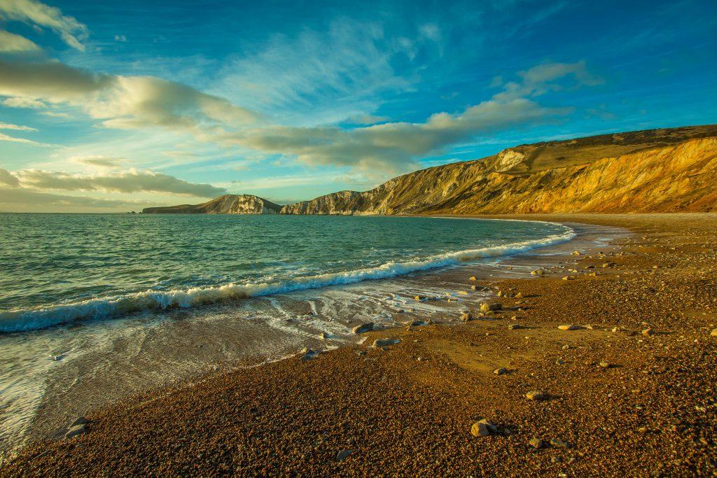 Фото пляжа в южной Англии в графстве Дорсет