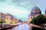 Река Шпрее и Берлинский собор в Берлине