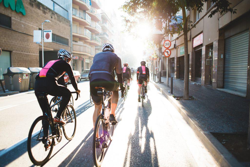 Фото велосипедистов в городе