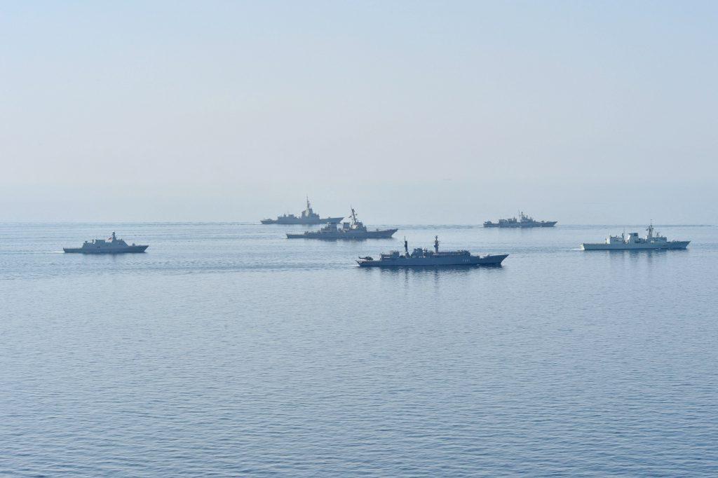 Военные корабли в Черном море