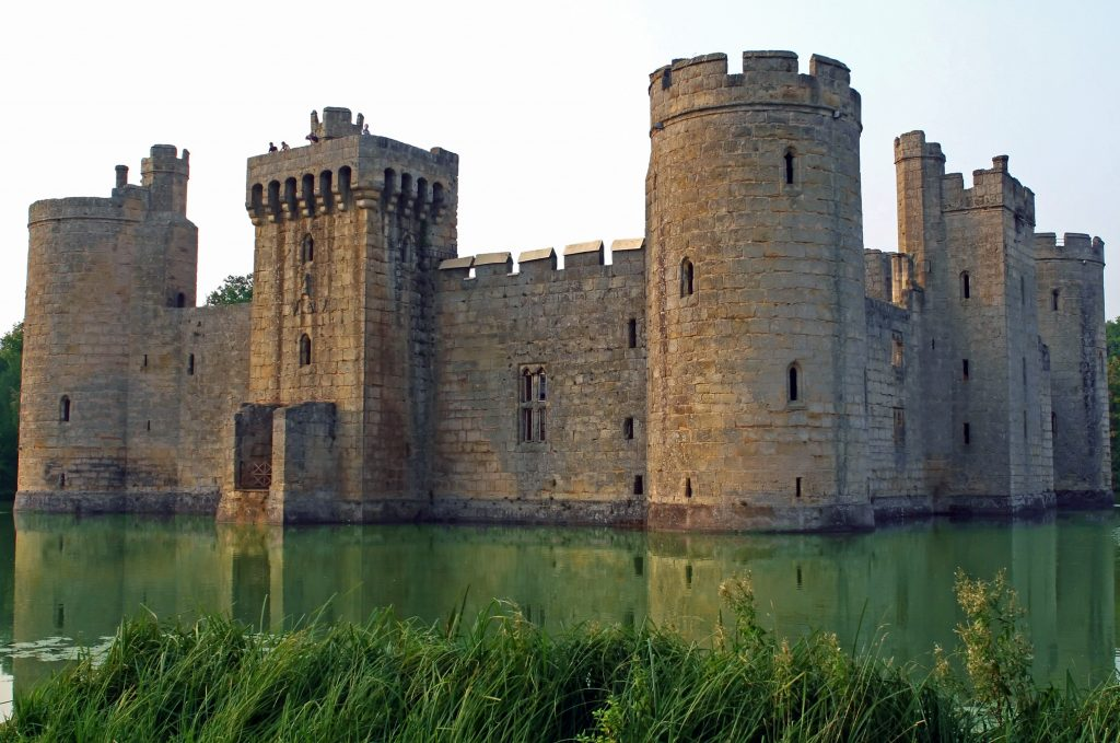 Английский замок Бодиам