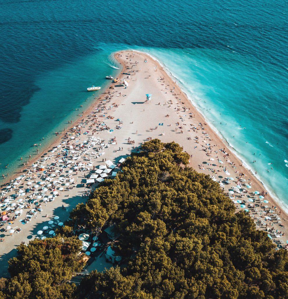 Пляж Златни Рат курорта Бол, остров Брач, Хорватия
