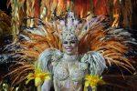 Танцовщица самбы, карнавал в Рио де Жанейро