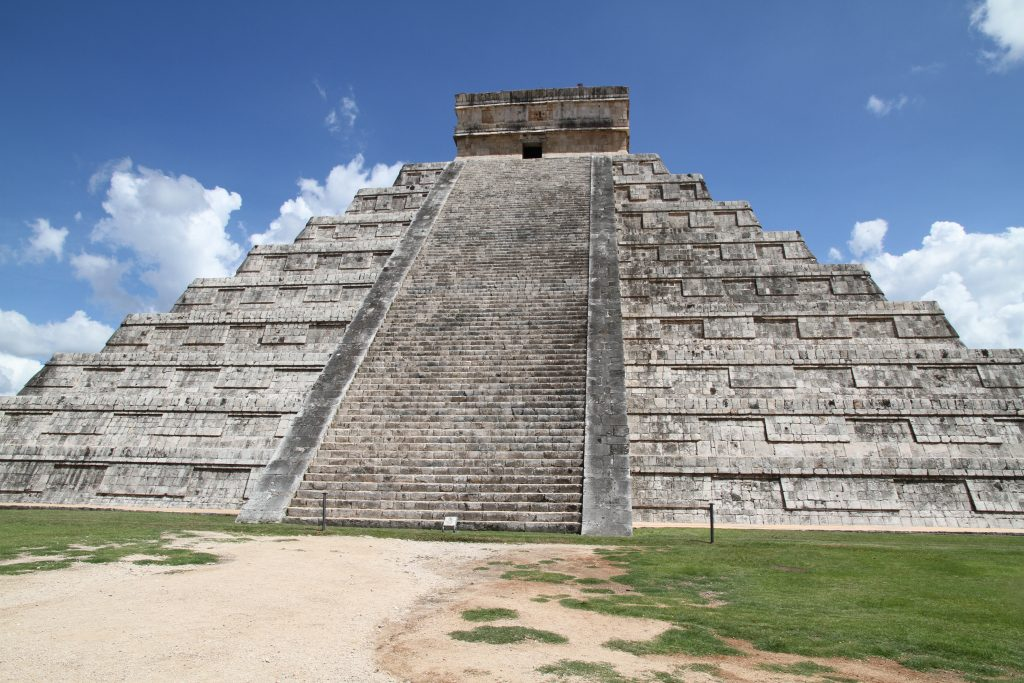 Пирамида в Чичен-Ица, цивилизация Майя
