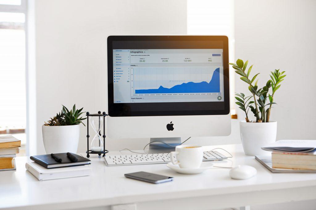 Стационарный настольный компьютер iMac фото