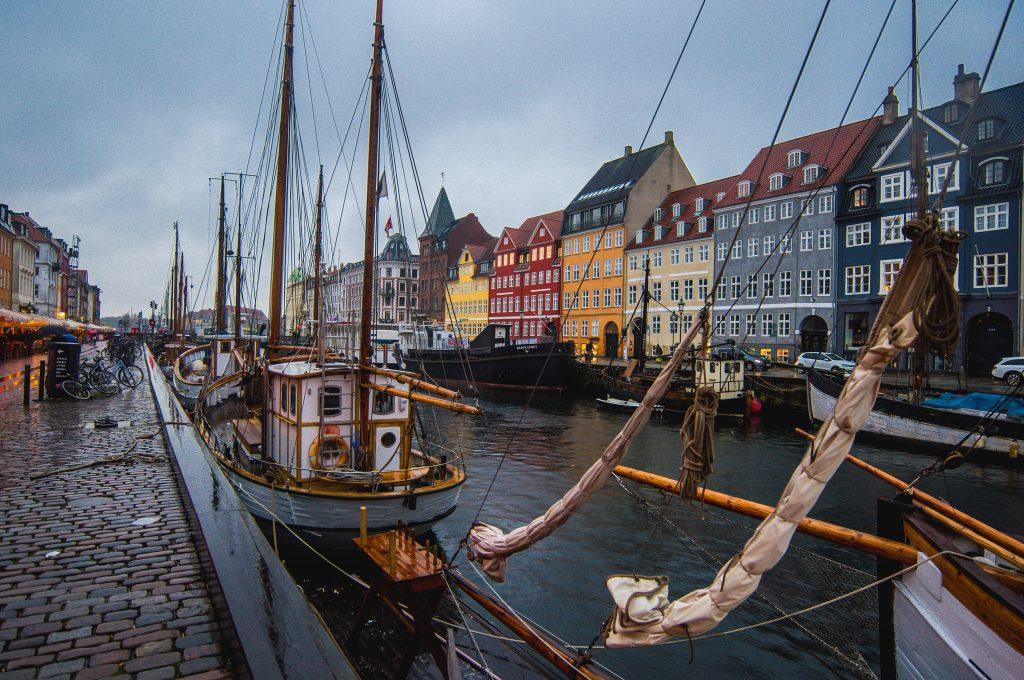 Фото канала в центре Копенгагена