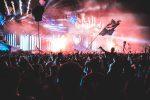 Рок концерт на фестивале фото