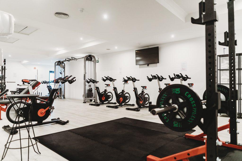 Стоковое фото фитнес зала