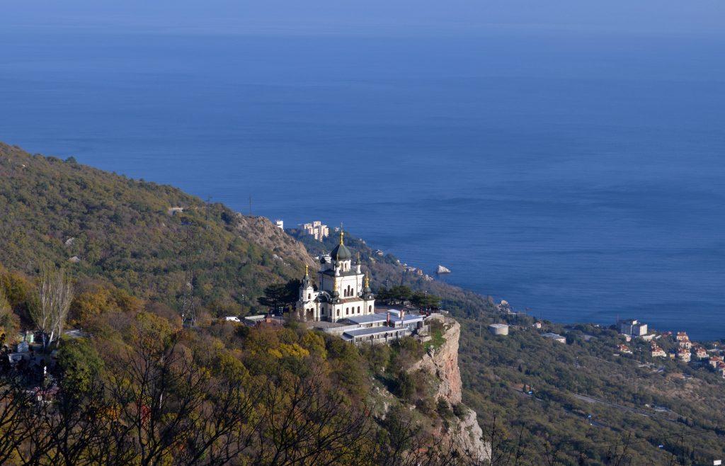 Церковь в Форосе на скале