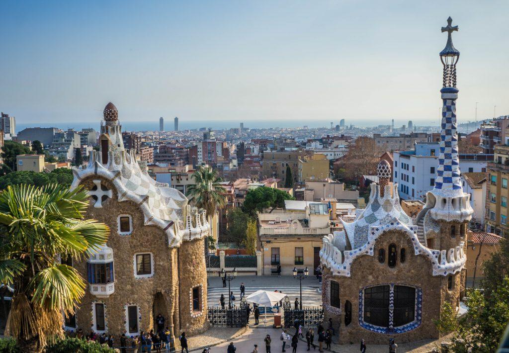 Необычные домики, Парк Гуэля и панорама Барселоны