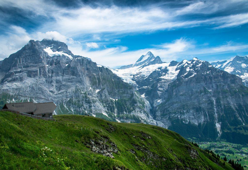 Гриндельвальд и Бернские Альпы фото
