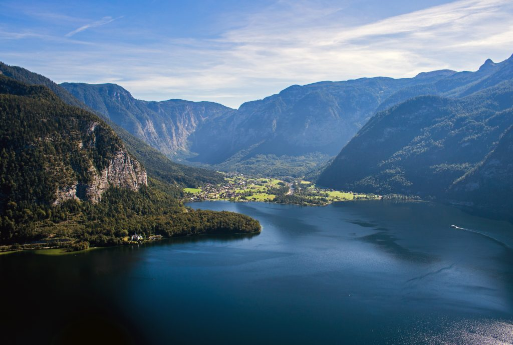 Город и озеро Гальштат, Зальцкаммергут, Австрия
