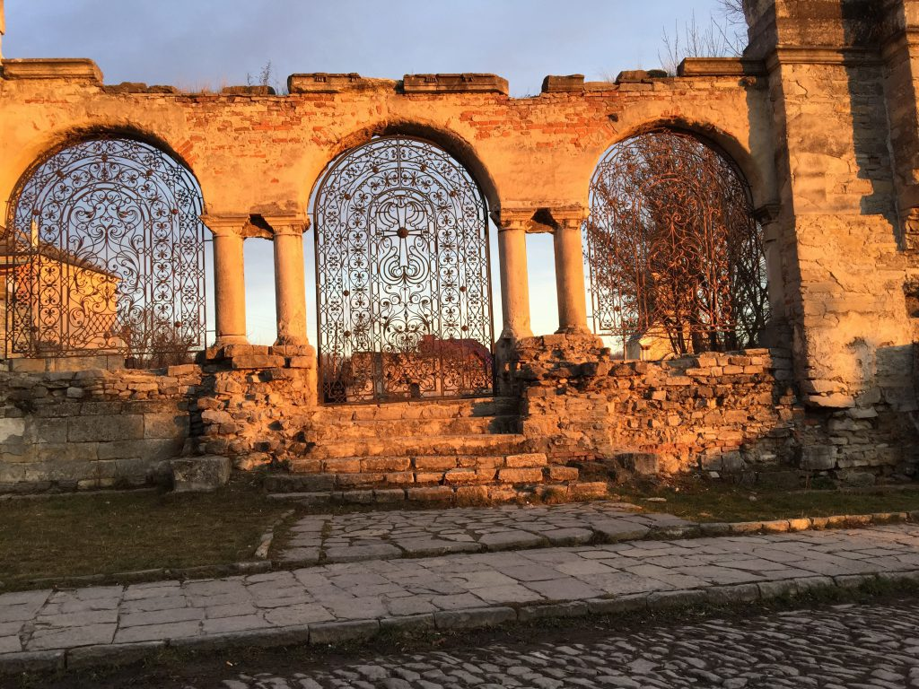 Фото руин в Каменец-Подольском