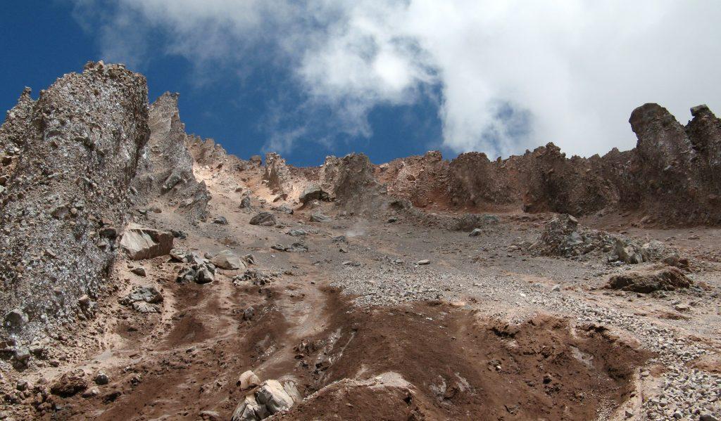 Скалы в горах Кавказа, Большой Кавказ, Грузия