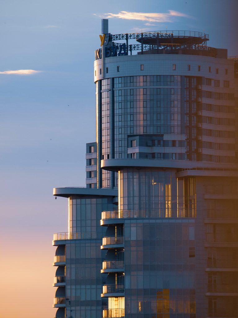 Фото небоскреба в Киеве