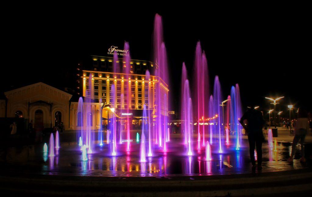 Почтовая площадь ночью фото