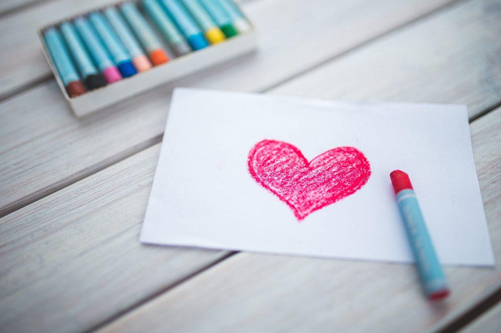 Валентинка - губная помада, мелки, сердечко