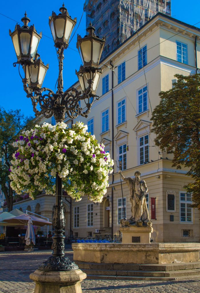 Ратуша Львова и площадь Рынок фото