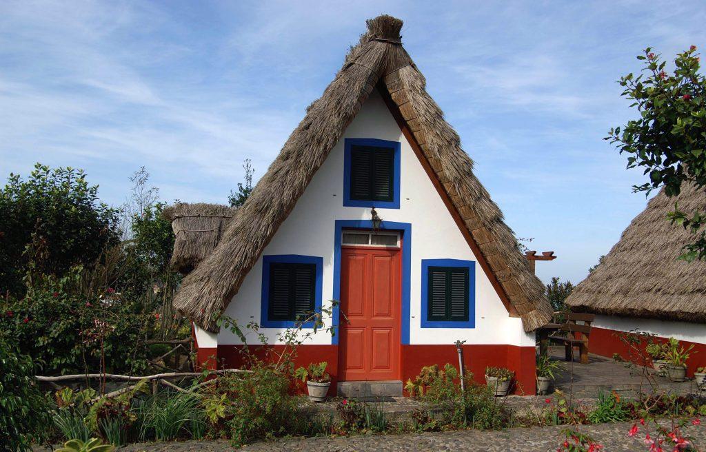 Традиционный старый дом на острове Мадейра, Португалия