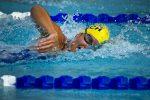 Занятия плаванием в плавательном бассейне