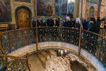 Раскопки внутри Михайловского собора в Киеве