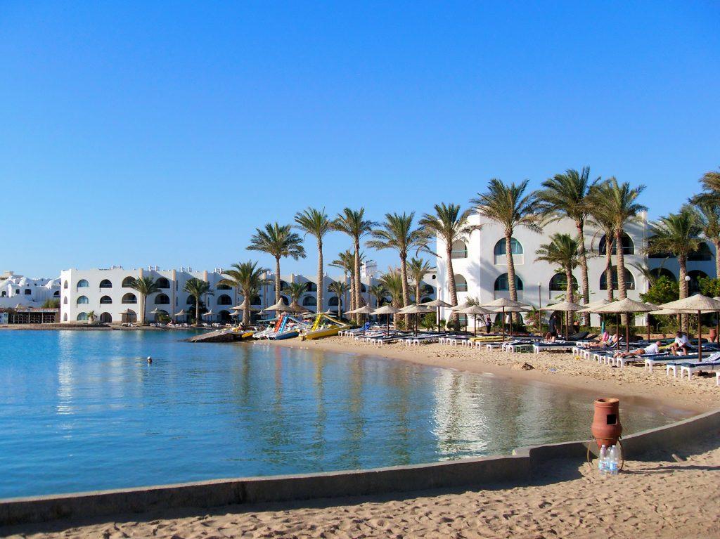 Фото пляжа и отеля в Монастире, Тунис