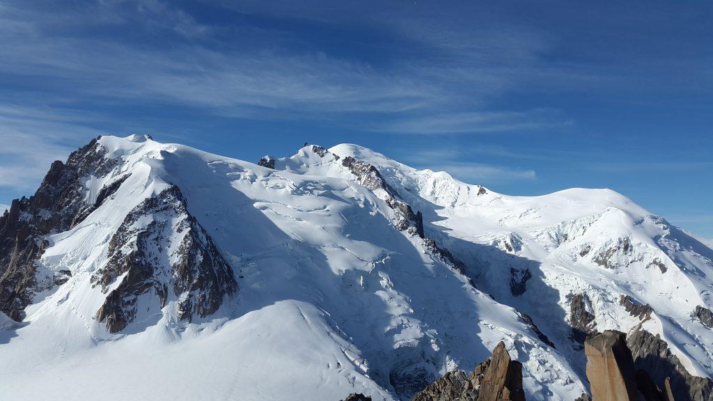 Фото вершины горы Монт Блан в Альпах