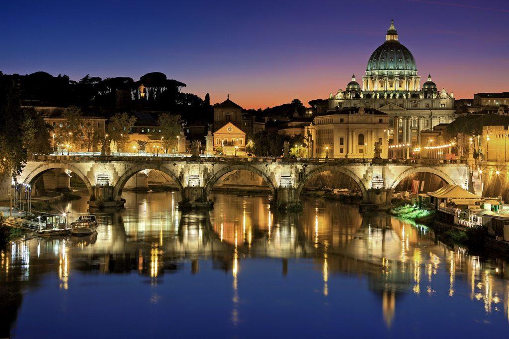 Рим мост через реку Тибр