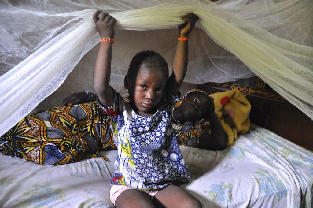 Фото беженцы мать и ребенок