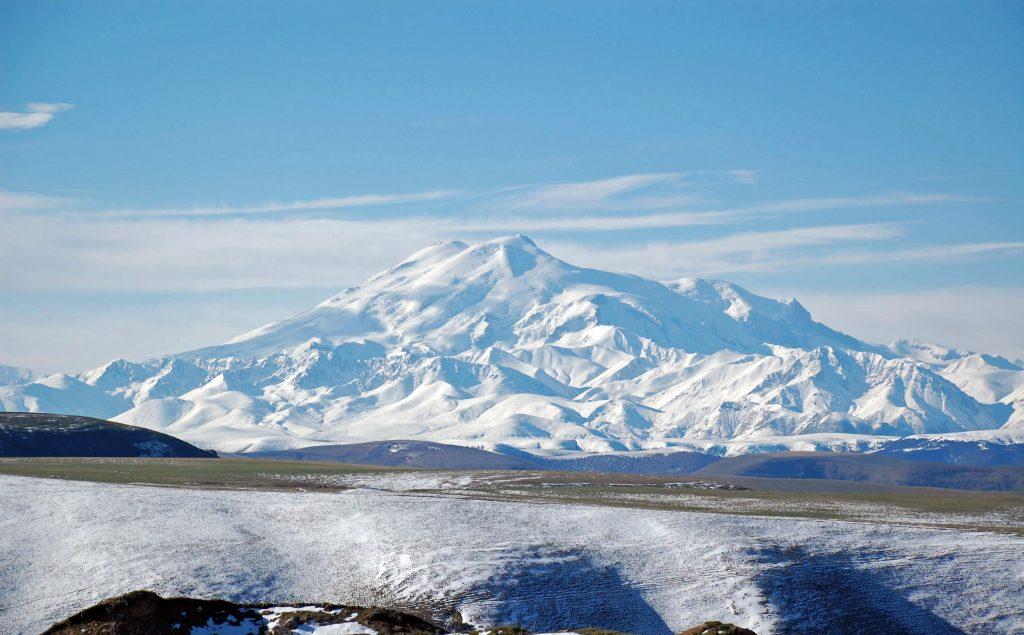 Гора Эльбрус, перевал Гум-Баши, Карачаево-Черкесия, Россия