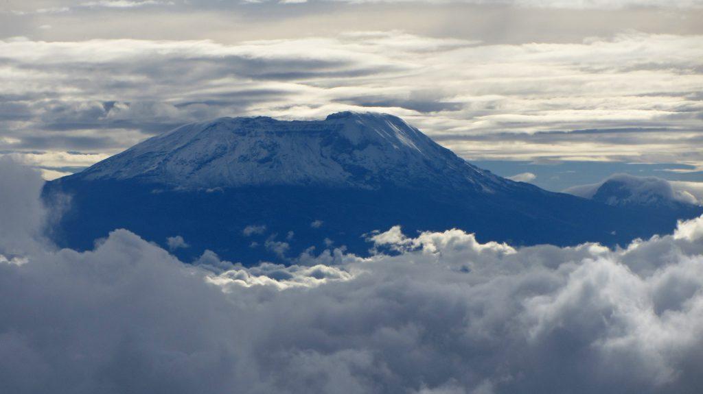 Фото вулкана Килиманджаро в Танзании