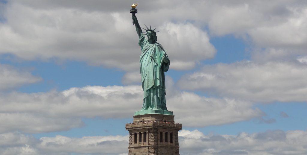 Фото статуи Свободы в Нью-Йорке