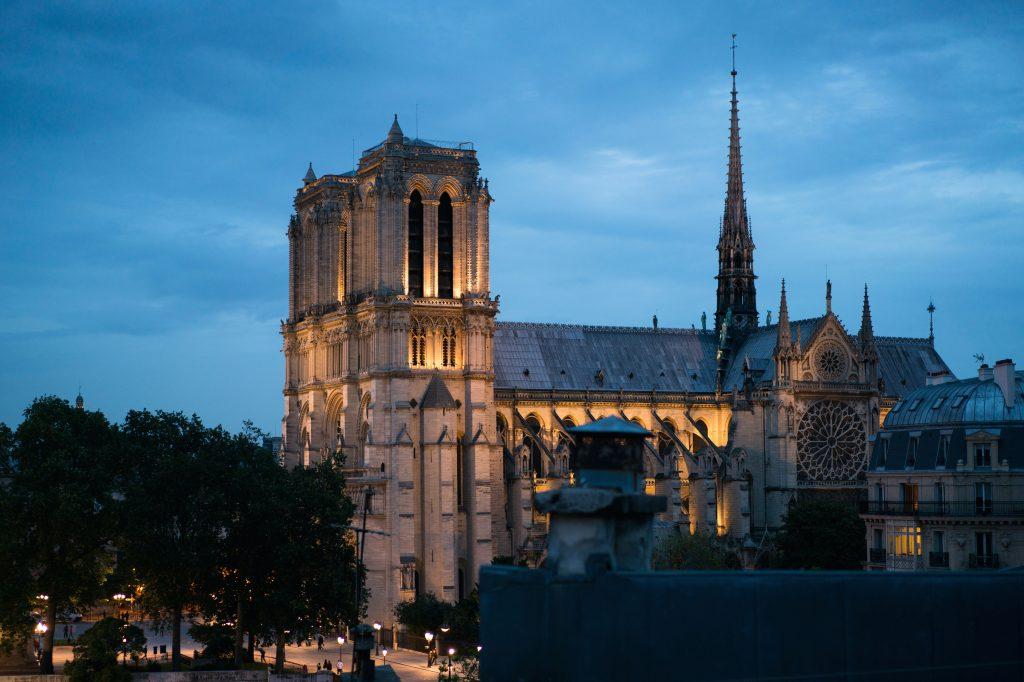 Собор Нотр Дам в Париже