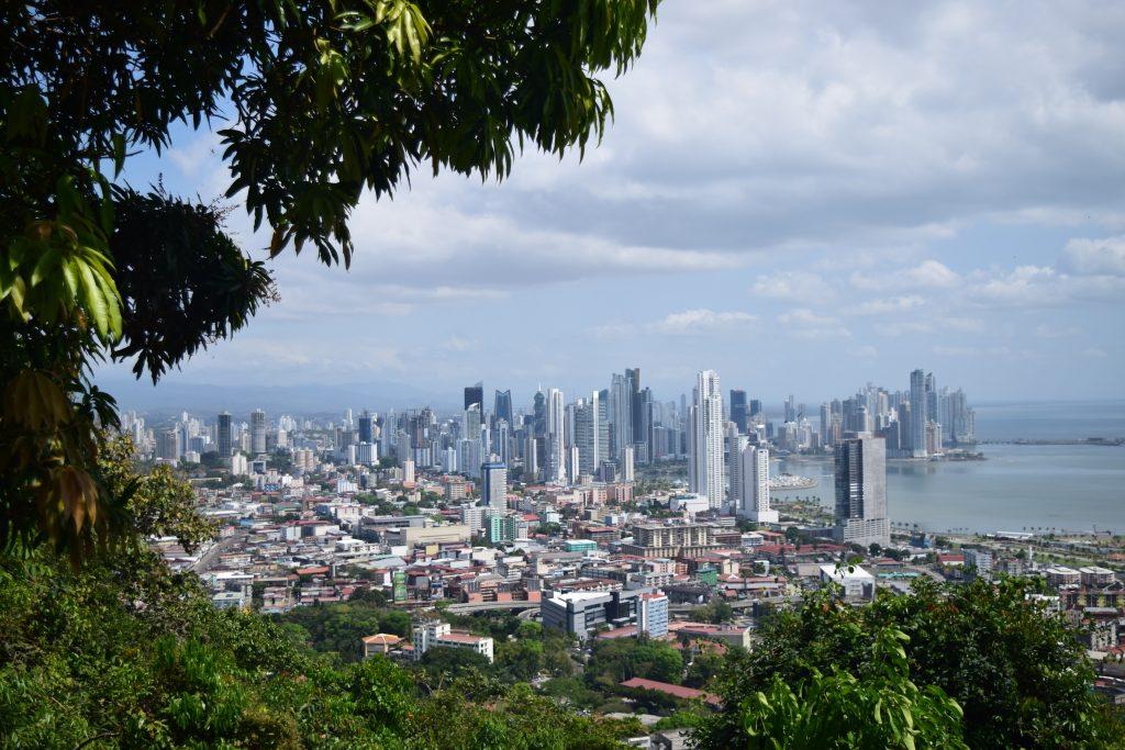 Фото панорама города Панама