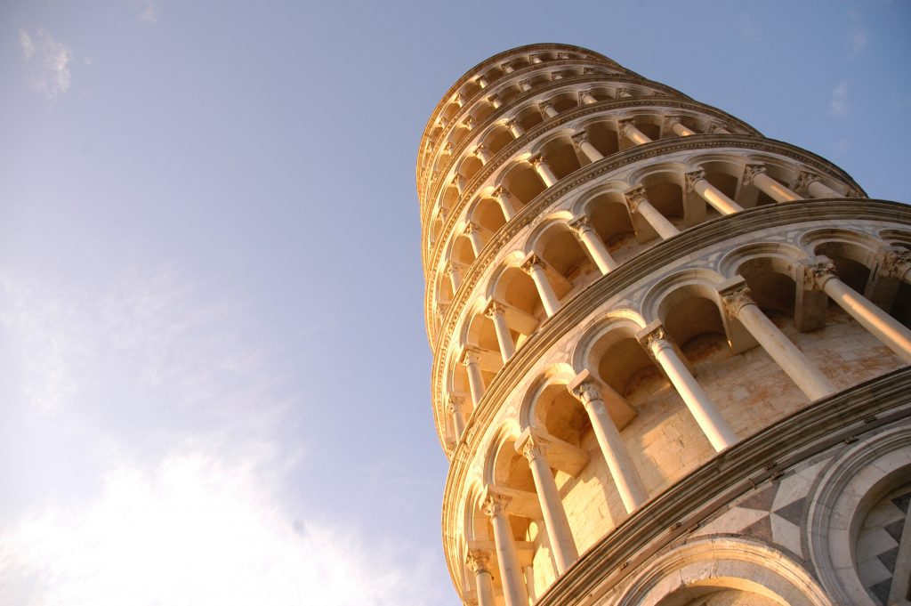 Падающая Пизанская башня - Пиза