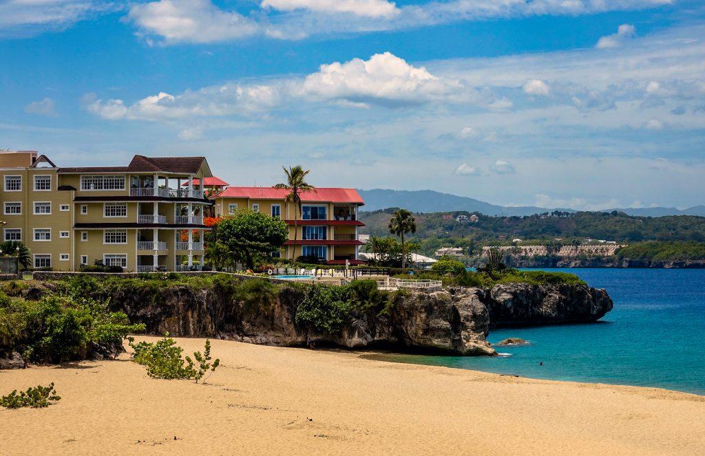 Пляж Плайя Алисия, город Сосуа, район Пуэрто-Плата, Доминиканская республика