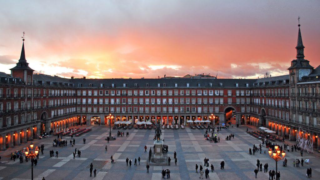 Мадрид главная площадь Пласа-Майор