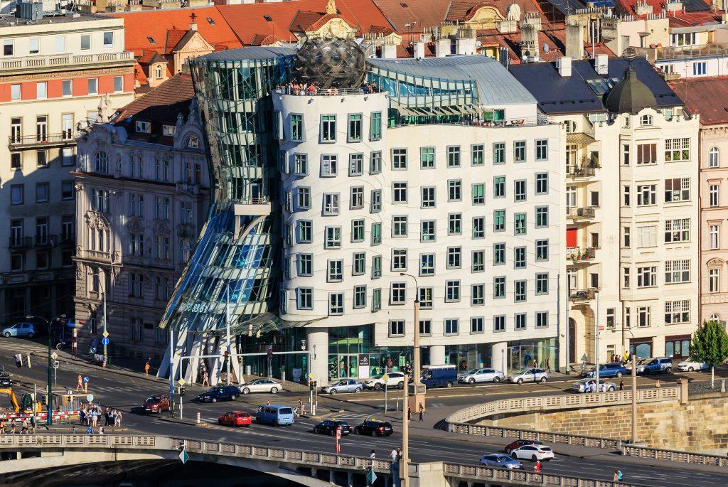 Необычный Танцующий дом, Прага, Чехия